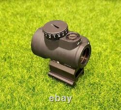Trijicon 1x25mm MRO 2.0 MOA Red Dot Sight & Co-Witness Mount MRO-C-2200005
